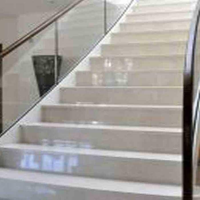 cầu thang đá hoa cương trắng