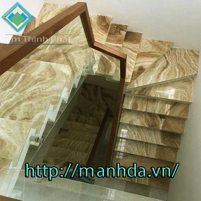 Đá hoa cương cầu thang vàng vân gỗ brazil